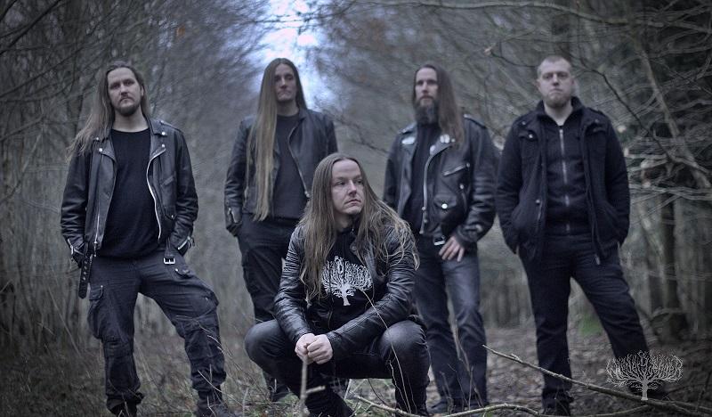Wiedergænger, Metal-Band aus Hamburg, Gruppenbild im Wald